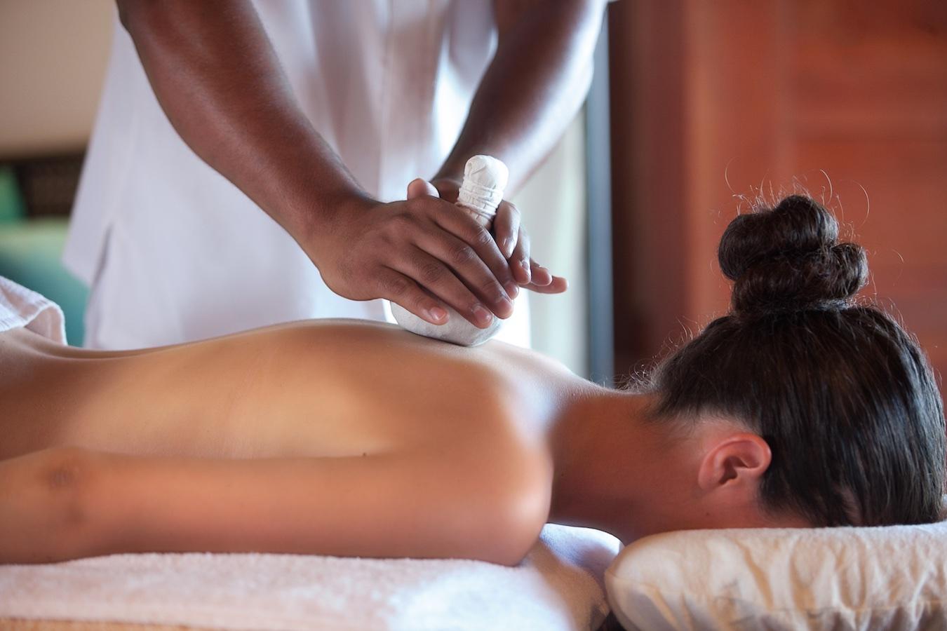 Секс на массаже с негритянками, Массаж Негритянке (найдено 28 порно видео роликов) 28 фотография